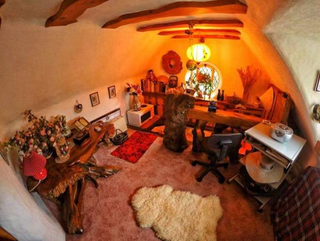 real-hobbit-house-14
